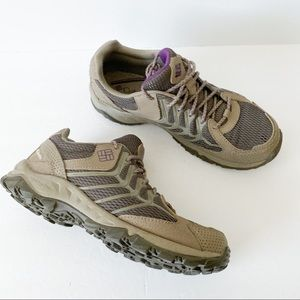 Columbia low hiker style shoes